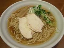 国産大豆生醤油使用 醤油らーめん01